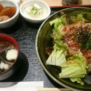 和たなべやの海鮮丼