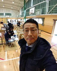 日新中学校の体育館の中