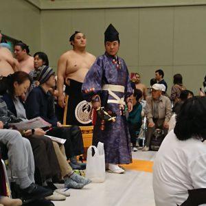 大相撲の行司